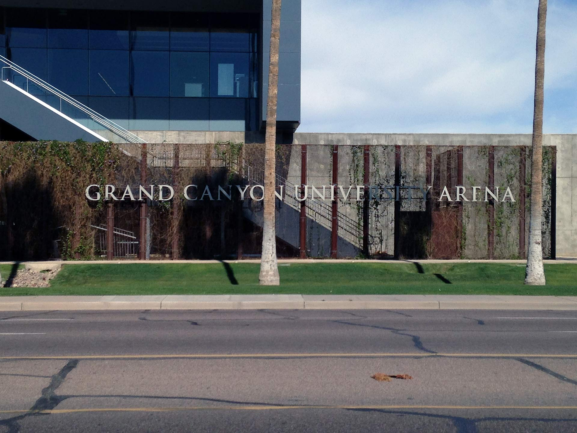 grand canyon university campus sign