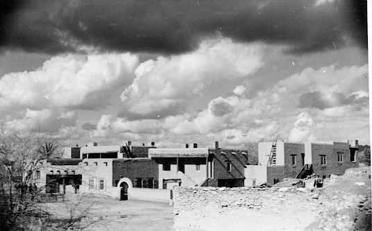 Black and white photograph of Pueblo Grande Museum from the 1930's.
