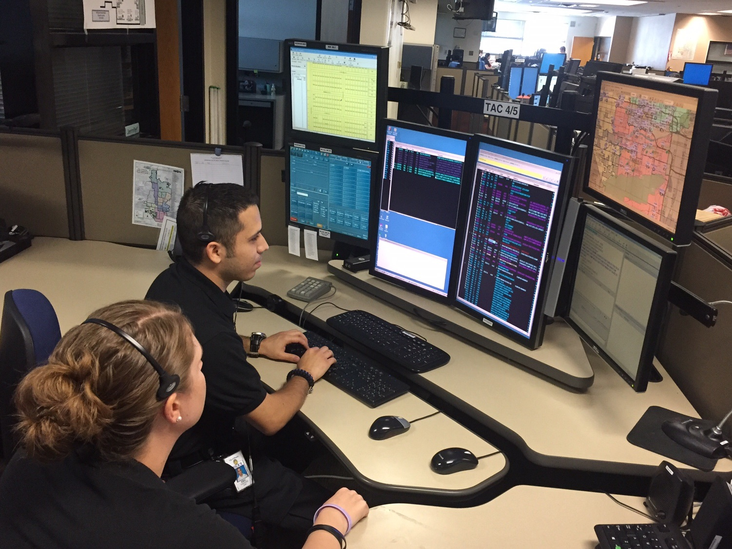 911 call center workers