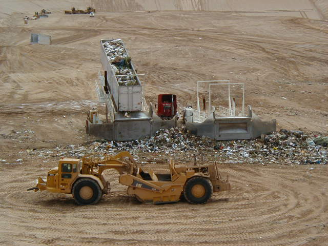 SR83 Landfill Launcher and Grader